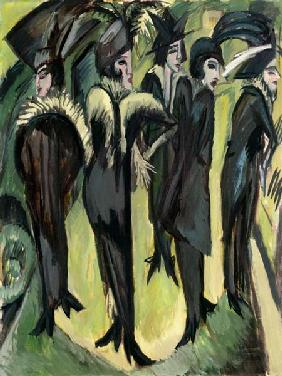 Five women on the Strasse