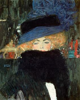 Lady with hat and boa