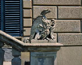 Eagle and crest, Villa di Celle (photo)