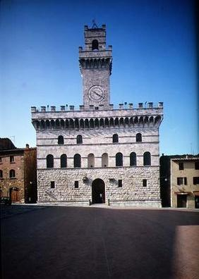 Exterior view of the Palazzo Communale, Montepulciano