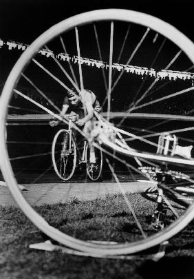 cyclist Jacques Anquetil failed in the attempt of breaking world record