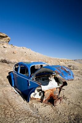 abandoned blue car
